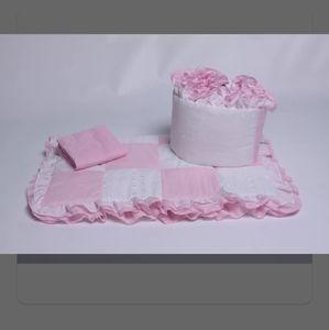 Eustace pink & white cradle bedding